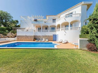 3 bedroom Villa in Salema, Faro, Portugal - 5706301