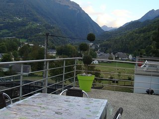 Cozy house very close to the centre of Luz-Saint-Sauveur with Parking, Internet,