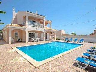 4 bedroom Villa in Torre de Mosqueira, Faro, Portugal - 5705576