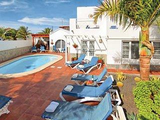 4 bedroom Villa in Conil, Canary Islands, Spain - 5707630