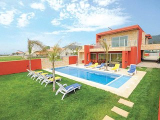 5 bedroom Villa in Marinhas, Braga, Portugal : ref 5706808