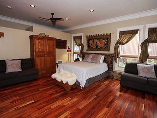 Luxury Suite - Downtown Ouray - On Main Street
