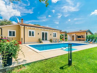 3 bedroom Villa in Brecevici, Istria, Croatia : ref 5705460