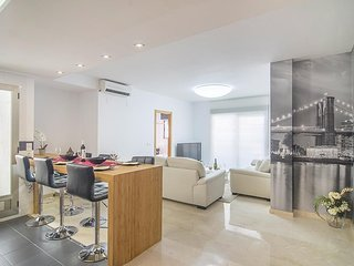 Spacious apartment a short walk away (92 m) from the 'Playa de La Roda' in Altea