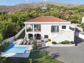 5 bedroom Villa in Seget Vranjica, Croatia - 5707125