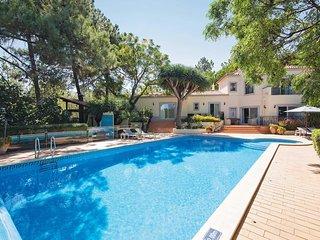 5 bedroom Villa in São Lourenço, Faro, Portugal : ref 5706798