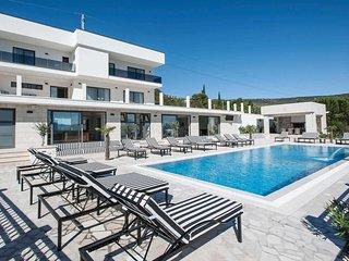 7 bedroom Villa in Graničići, Splitsko-Dalmatinska Županija, Croatia : ref 57052