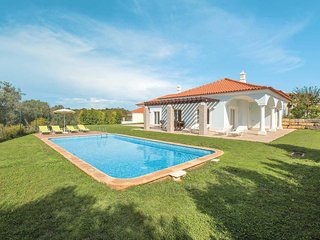 4 bedroom Villa with Pool, Air Con and WiFi - 5706852