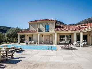 4 bedroom Villa in Káto Kateleiós, Ionian Islands, Greece : ref 5707103