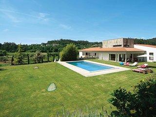 6 bedroom Villa in Fornelos, Viana do Castelo, Portugal : ref 5704916