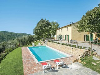 4 bedroom Villa in Luchetta, Tuscany, Italy : ref 5707404
