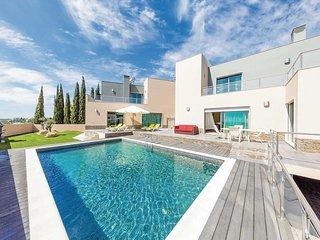 4 bedroom Villa in Boavista, Faro, Portugal - 5707106