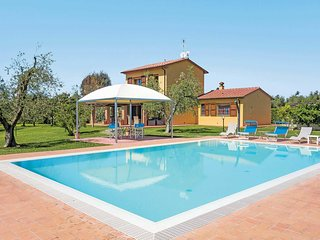 3 bedroom Villa in Donoratico, Tuscany, Italy : ref 5705022