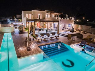 6 bedroom Villa in Playa Blanca, Canary Islands, Spain : ref 5704971