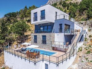 4 bedroom Villa in Lokva Rogoznica, Croatia - 5707147