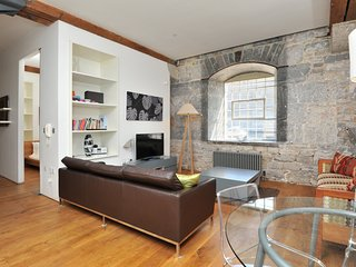 10 Clarence Drakes Wharf Royal William Yard - Stylish 2 bed ground floor watersi
