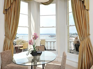 Apartment No 8 Astor House - Premier one bed period apartment with balcony and s