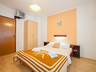 Cosy studio in Becici with Parking, Internet, Air conditioning, Balcony