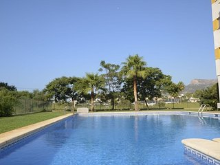 Cozy apartment close to the center of Calp with Internet, Washing machine, Pool,