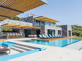 4 bedroom Villa in Plaka, Crete, Greece - 5705203
