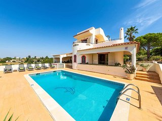 3 bedroom Villa with Pool, Air Con and WiFi - 5707191