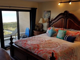 SEABREEZE1 404 Oceanfront July29Aug available*+ fees 5--6 nights FREE WiFi