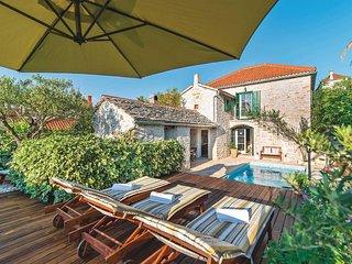 3 bedroom Villa in Mirca, Splitsko-Dalmatinska Županija, Croatia : ref 5707521