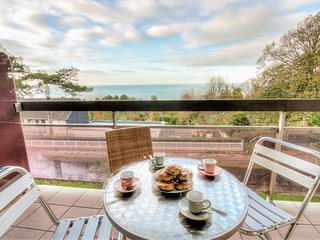 2 bedroom Apartment in Hennequeville, Normandy, France - 5667462