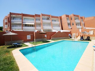 Spacious apartment right near the 'Playa Primer Montañar' in Xàbia with Internet