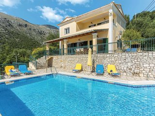 4 bedroom Villa in Vinglatoúri, Ionian Islands, Greece - 5704942