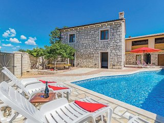 4 bedroom Villa in Orbanici, Istria, Croatia : ref 5707183