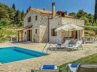 Charming villa set in its own pretty gardens