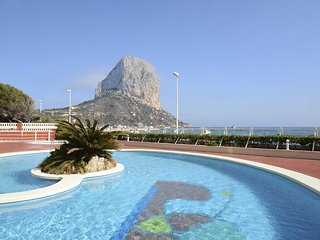 Cozy apartment a short walk away (195 m) from the 'Playa Cantal Roig' in Calp wi