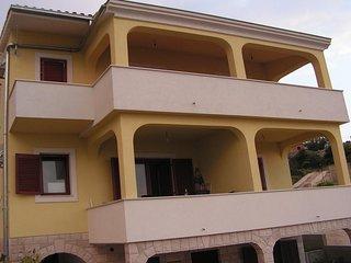 Cozy apartment in Primošten with Parking, Internet, Washing machine, Air conditi