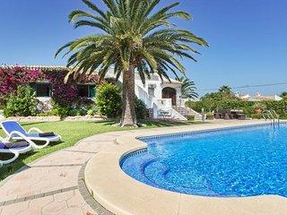 Spacious villa in El Tosalet with Internet, Washing machine, Pool