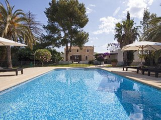 Spacious villa in Ondara with Internet, Washing machine, Air conditioning, Pool