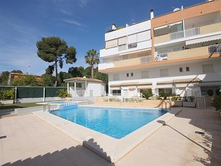 Spacious apartment a short walk away (229 m) from the 'Playa La Grava' in Xàbia