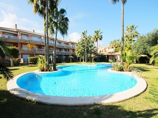 Spacious apartment a short walk away (457 m) from the 'Playa Primer Montañar' in