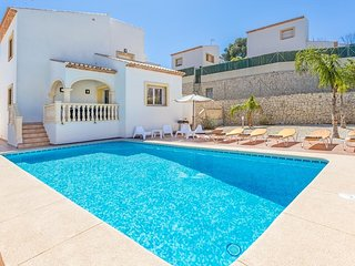 Spacious house in Xàbia with Internet, Washing machine, Air conditioning, Pool