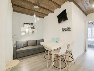 Modern & Chic 2 Bed Apt in Lesseps