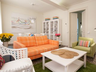 Lovely and Colorful 2-Bed with balcony in Lesseps.