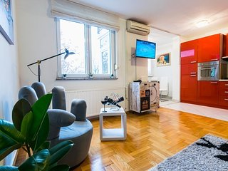 Cozy apartment in Zagreb with Parking, Internet, Washing machine