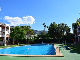 Spacious apartment a short walk away (349 m) from the 'Playa de la Marineta' in
