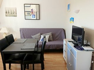 Cozy apartment very close to the centre of Trebeurden with Parking, Internet