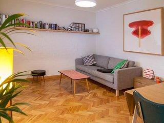 Comfortable Sunny Fitzroy Studio