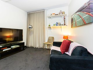 Imogen, central, modern 1 Bed in CBD