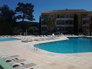 Spacious apartment in Roquebrune-sur-Argens with Parking, Internet, Pool, Terrac