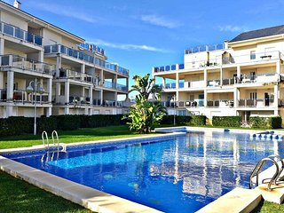 Cozy apartment a short walk away (399 m) from the 'Playa de Rabdells' in Oliva w