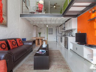 Cozy apartment close to the center of Cape Town with Lift, Parking, Internet, Wa