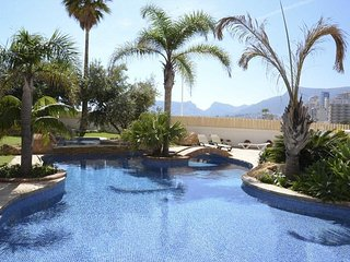 Cozy apartment a short walk away (324 m) from the 'Playa Cantal Roig' in Calp wi